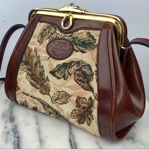 Vintage Gold Coast Tapestry Crossbody Clasp Bag